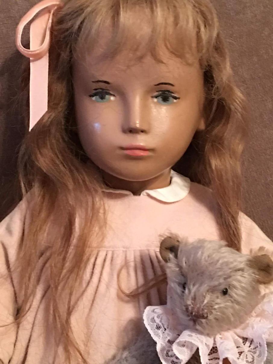 Audra, B-III studio doll